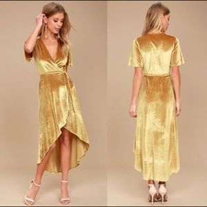 Lulu's Mustard Yellow Gold Velvet Midi Dress